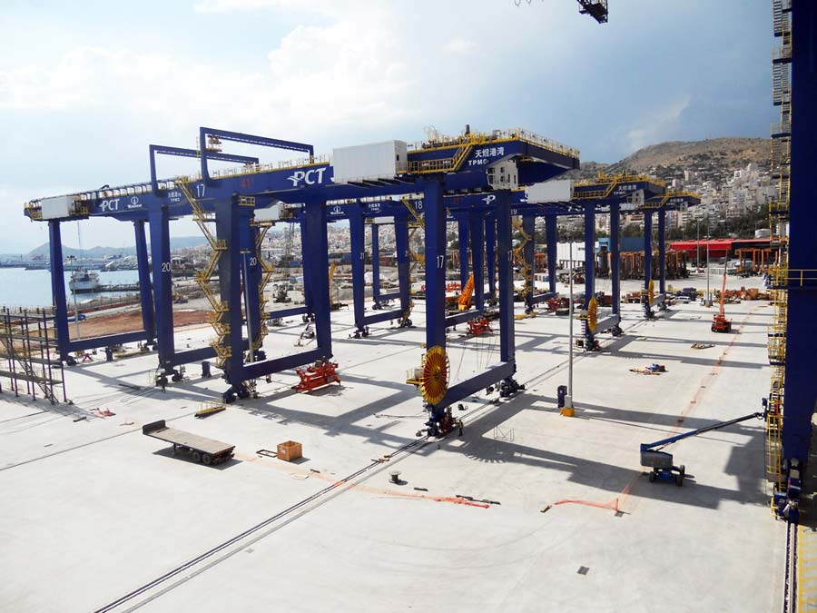 Erection of six RMG cranes