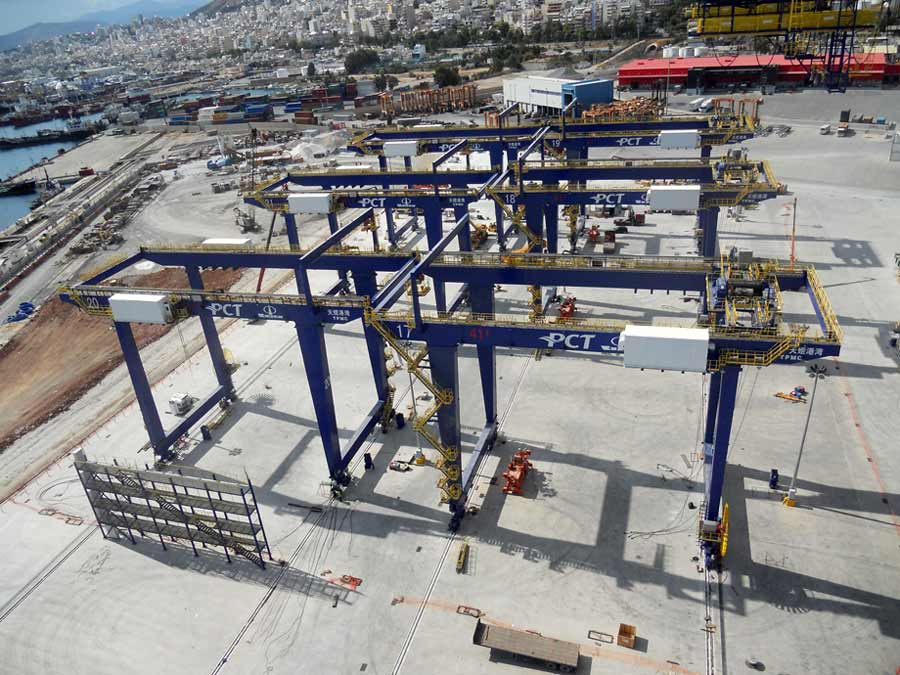 Erection of six RMG cranes at pier III of Piraeus Port