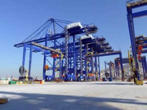 5 STS cranes at Piraeus