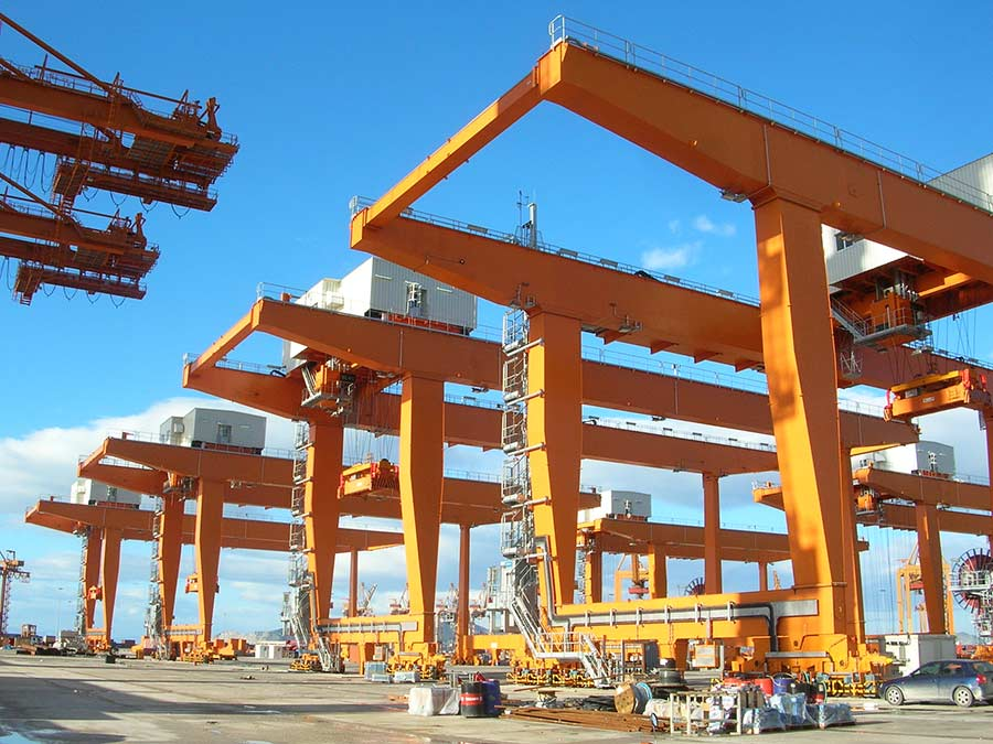 Erection of RMG Cranes at Piraeus Port
